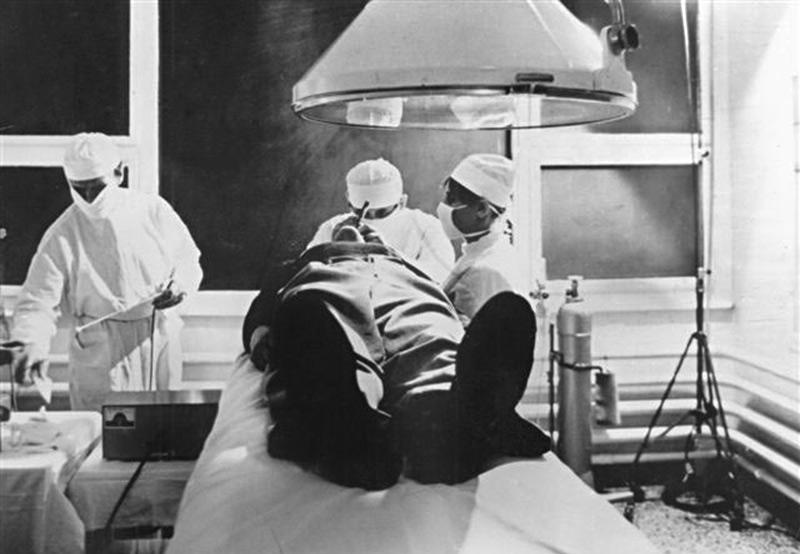 X-Ray (1974)